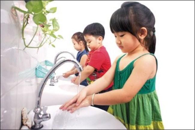 Hướng dẫn cách rửa tay bằng xà phòng