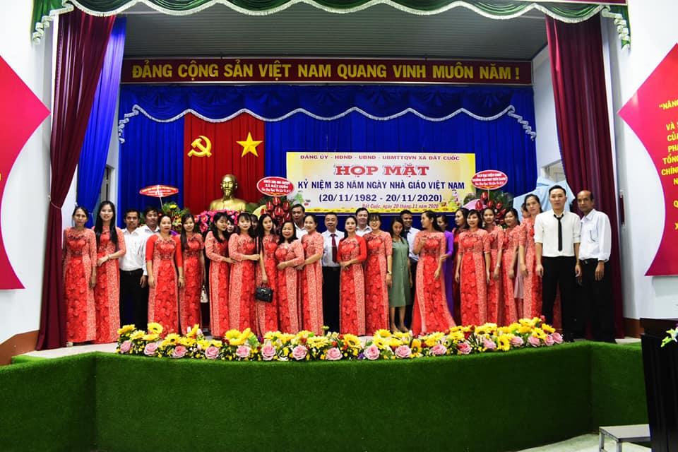 Họp mặt kỹ niệm 38 năm ngày nhà giáo Việt Nam (20/11/1982-20/11/1920).